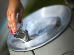 Nasze wodne sprzęty II – zdroje uliczne